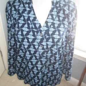 CUTE V-NECK NAVY TOP W/ SAILBOATS
